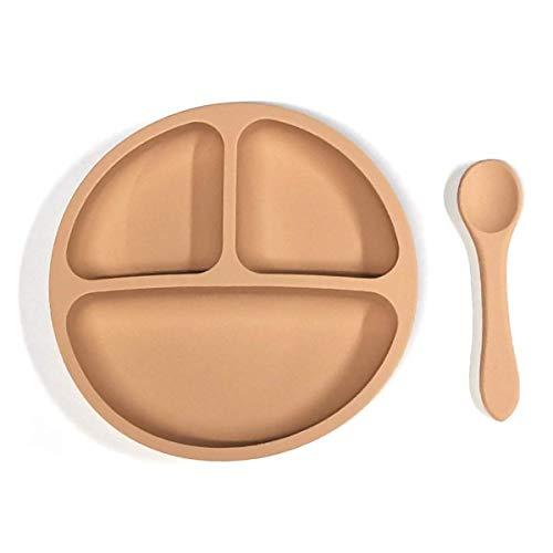 Kidoo - Pack Plato y Cuchara de Silicona - Vajilla de Bebé Antideslizante | 100% Libre de BPA - Aprobado por la FDA - Base Adherente - para Lavavajillas y Microondas - No Tóxico (Marrón Claro)